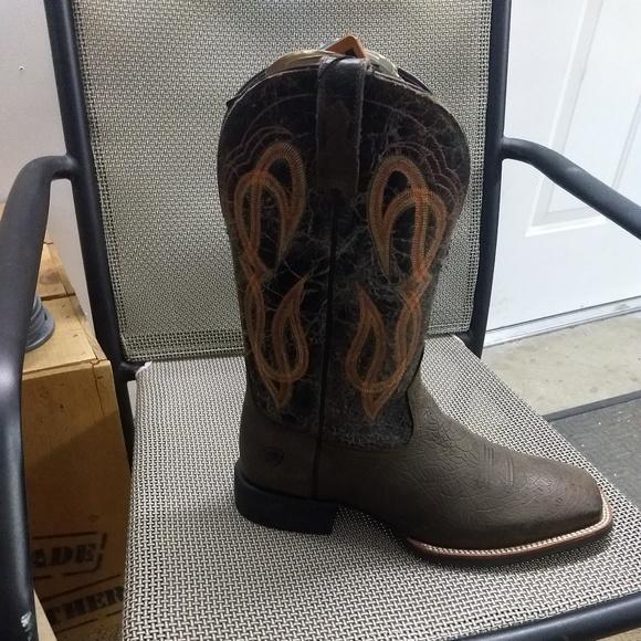 Ariat Shoes   Mens Boots Quantum